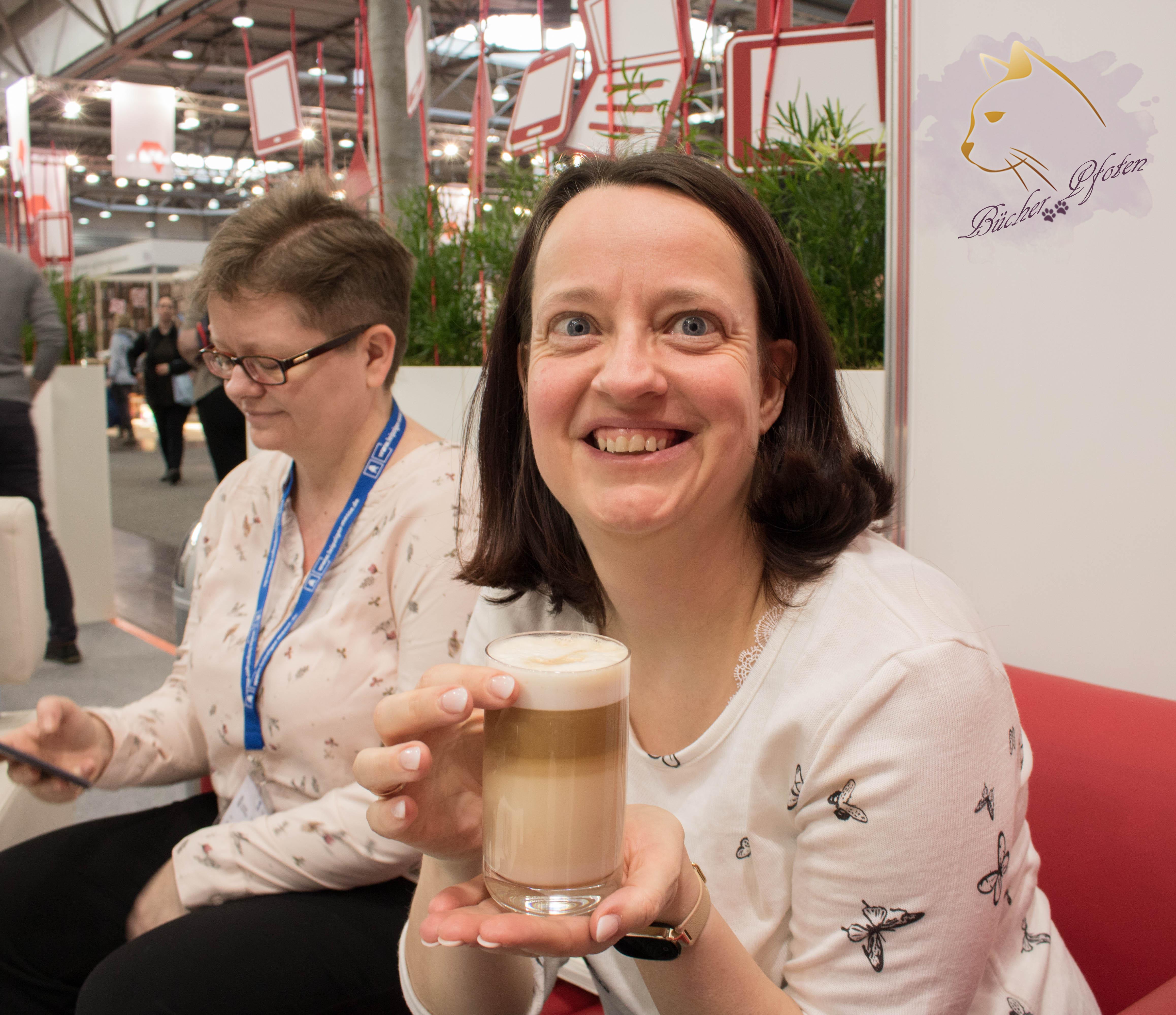 Katja mit Heike in der Bloggerlounge