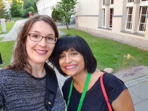 Brina mit Nalini Singh