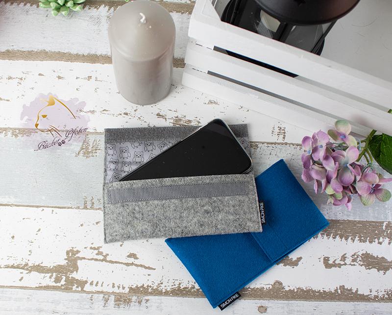 Handytaschen blau und grau mit Handy