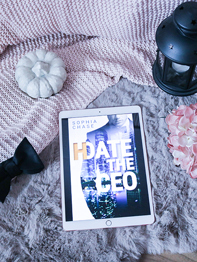 (H)Date the Ceo - Sophia Chase - Cover